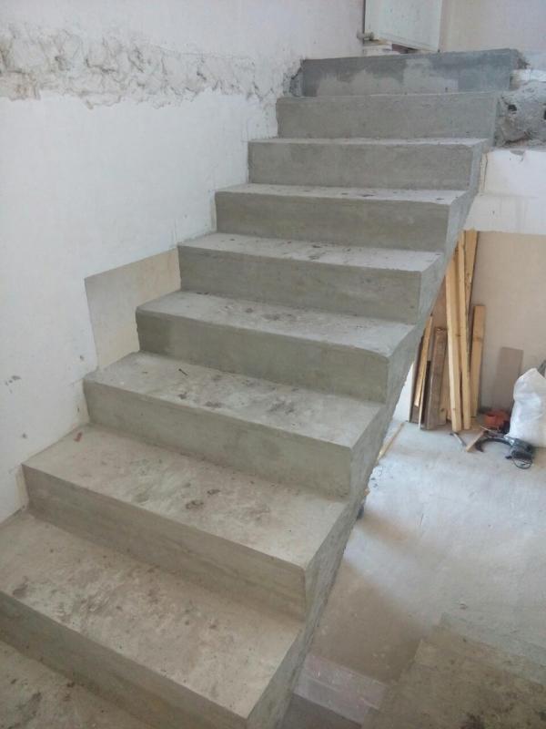 Изготовление лестниц, бетонные работы
