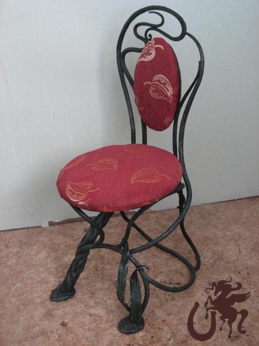 Кованые стулья и табуреты. купить заказать