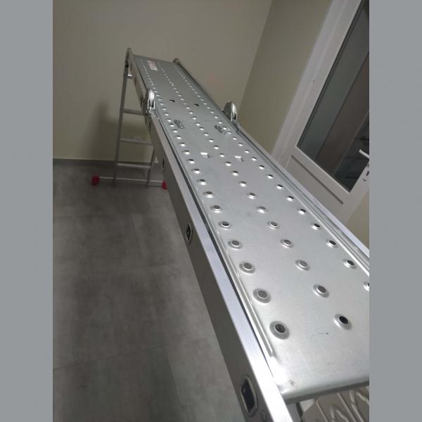 Аренда прокат стремянки лестницы трансформера 4,6м с платформой