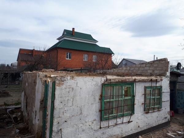 Демонтаж  частных домов и построек вручную в Днепропетровске