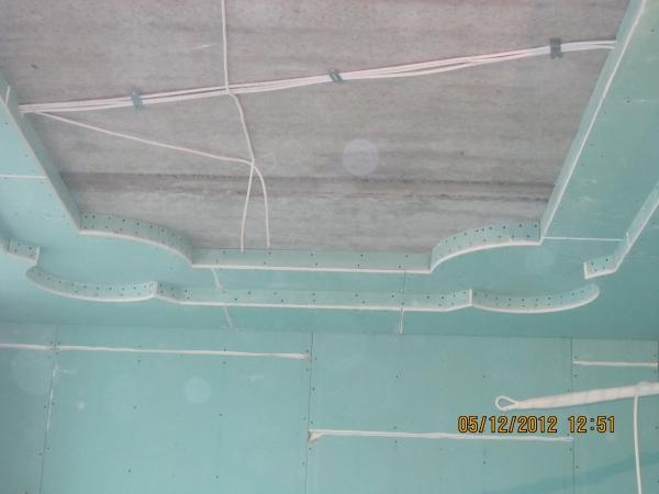 Монтаж потолков из гипсокартона.