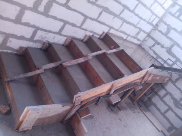 фундамент,кладка газоблока,перекрытия,бетонные работы,кровля,и другие работы: