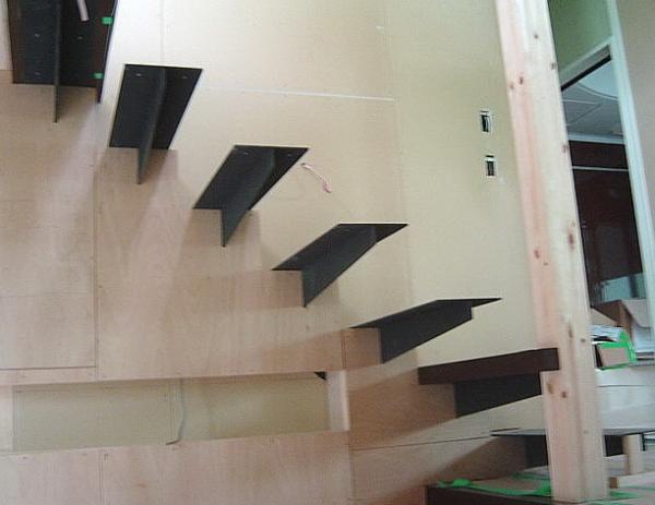 """Изготовим консольную лестницу. """"Броневик"""" Днепр."""