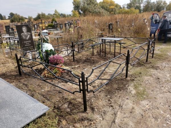 """Столы, лавки на могилу. """"Броневик"""" Днепр."""