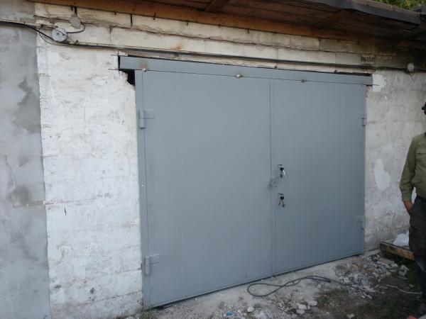 """Замена ворот на гараже. """"Броневик"""" Днепр."""