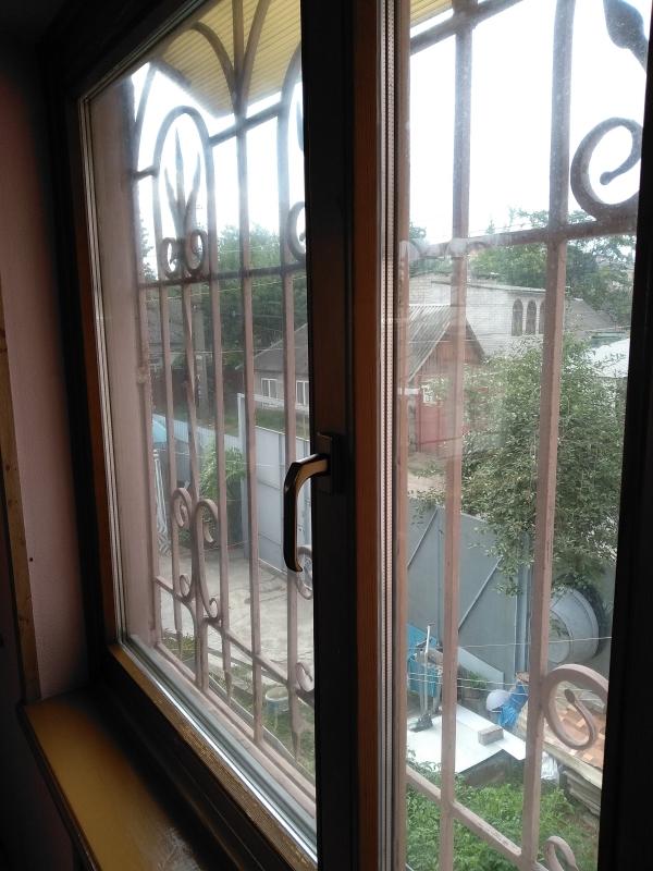 Продам 2 Окна б/у 1460Х1460 деревянные