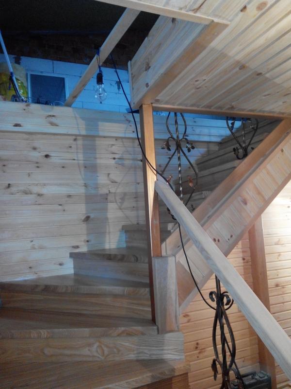 Лестница из дерева монтаж.