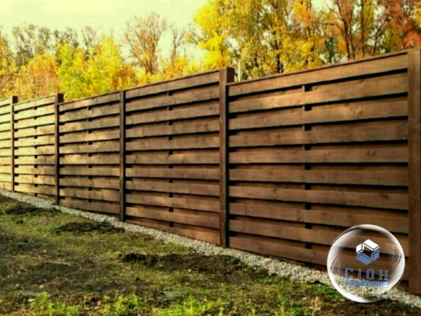 Строительство заборов из дерева